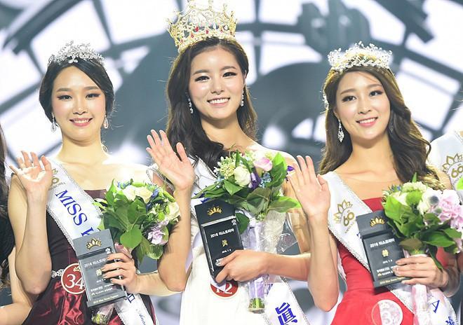 Sao Hàn bị tố dao kéo cùng lò: Diễn viên giống hệt Hoa hậu, nhưng nhóm gây sốc nhất lại lên đến tận 34 người - Ảnh 24.