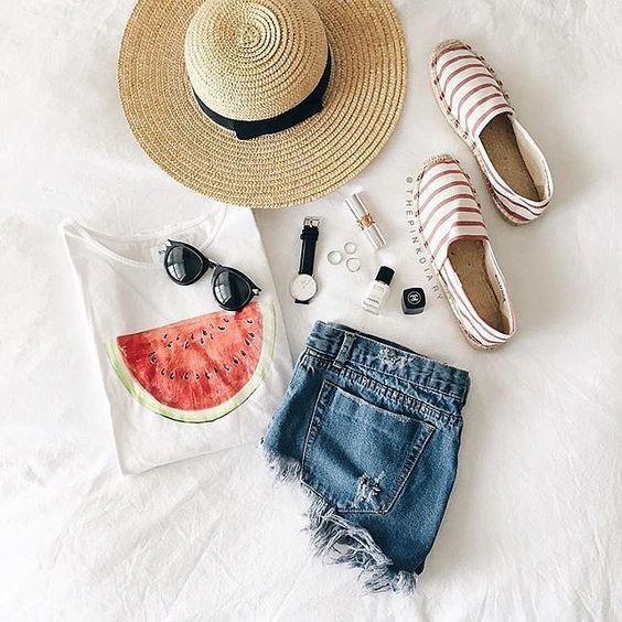 4 kiểu giày/dép bệt luôn sẵn lòng kết thân với quần shorts để ra đúng chất mùa hè - Ảnh 10.
