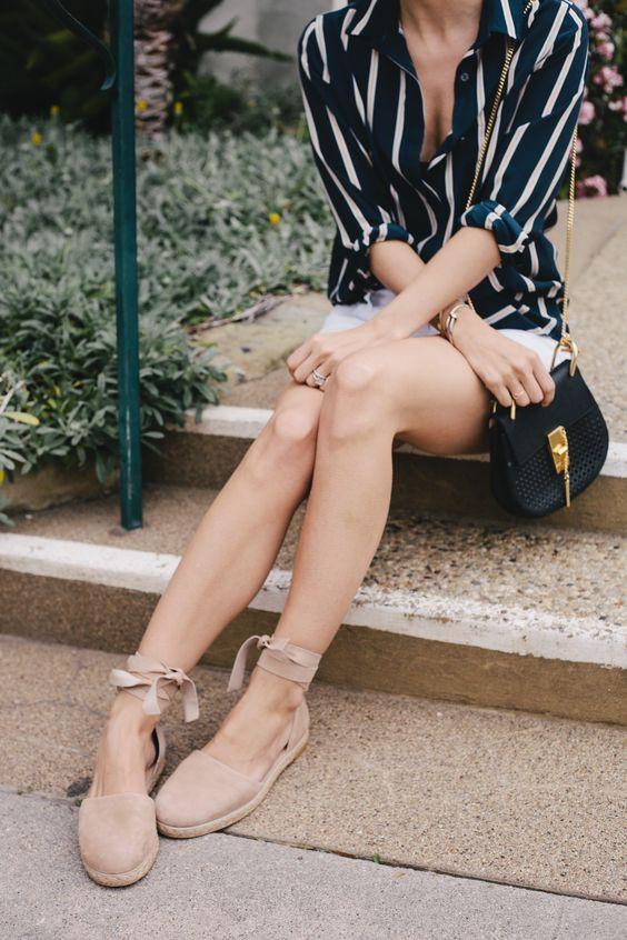 4 kiểu giày/dép bệt luôn sẵn lòng kết thân với quần shorts để ra đúng chất mùa hè - Ảnh 11.