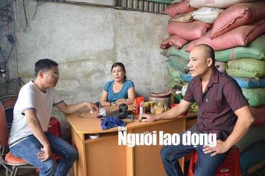 Tạm giữ khẩn cấp 5 người vụ cà phê nhuộm than pin dùng làm thực phẩm - Ảnh 2.
