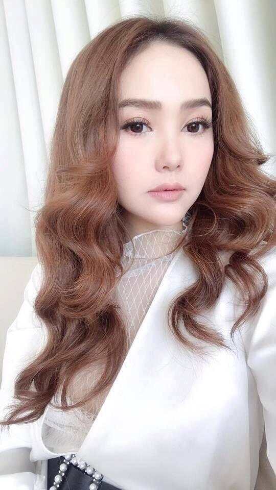 Gần 1 tháng sau clip livestream lộ cằm dài ngoằng, nhan sắc hiện tại của Minh Hằng trông ra sao - Ảnh 6.