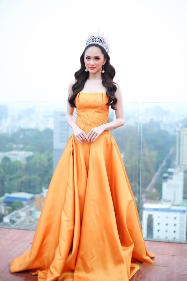 Đang mang bầu, Hương Giang vẫn vướng vào pha đụng hàng bất đắc dĩ với á hậu 1 con Diễm Trang - Ảnh 6.