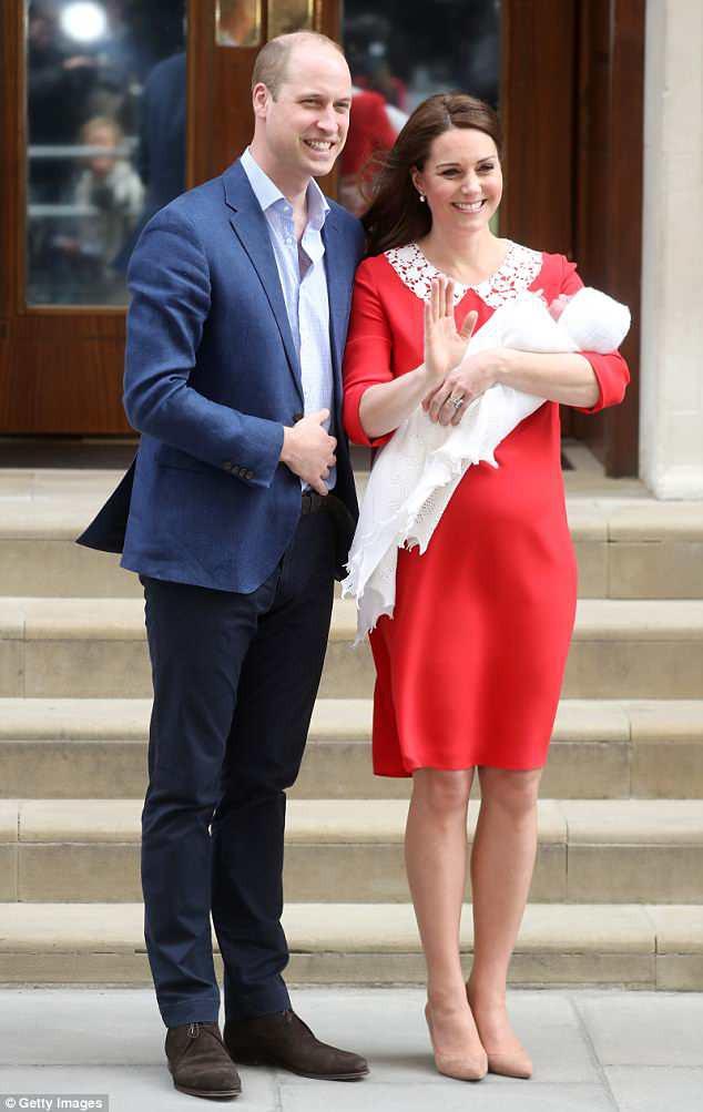 Vừa xuất hiện sau khi sinh con, công nương Kate Middleton đã bị nhiều bà mẹ chỉ trích vì điều này - Ảnh 1.