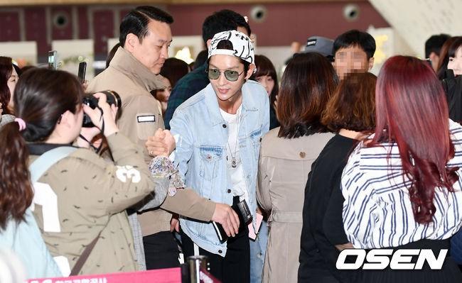 Khác một trời một vực với ảnh tạp chí, tài tử Lee Jun Ki gây hốt hoảng với cằm nhọn nhô ra như lưỡi cày - Ảnh 13.