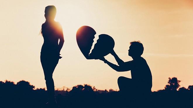 7 việc nên làm ngay lập tức khi cảm nhận được nửa kia đang có ý định chấm dứt mối quan hệ - Ảnh 2.