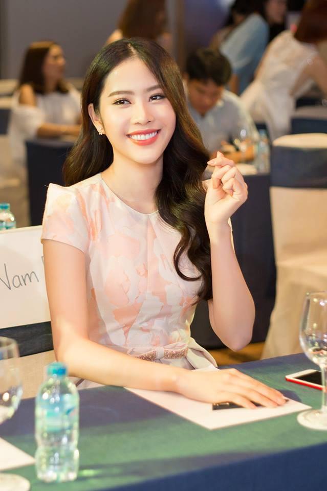 3 người đẹp cùng tuổi Kỳ Duyên, Angela Phương Trinh và Nam Em: sau những nghi án thẩm mỹ liên tiếp, hiện giờ nhan sắc ra sao - Ảnh 28.