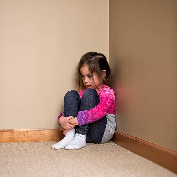 Hướng dẫn cha mẹ cách thực hiện hình phạt time-out để trẻ ngoan hơn - Ảnh 2.