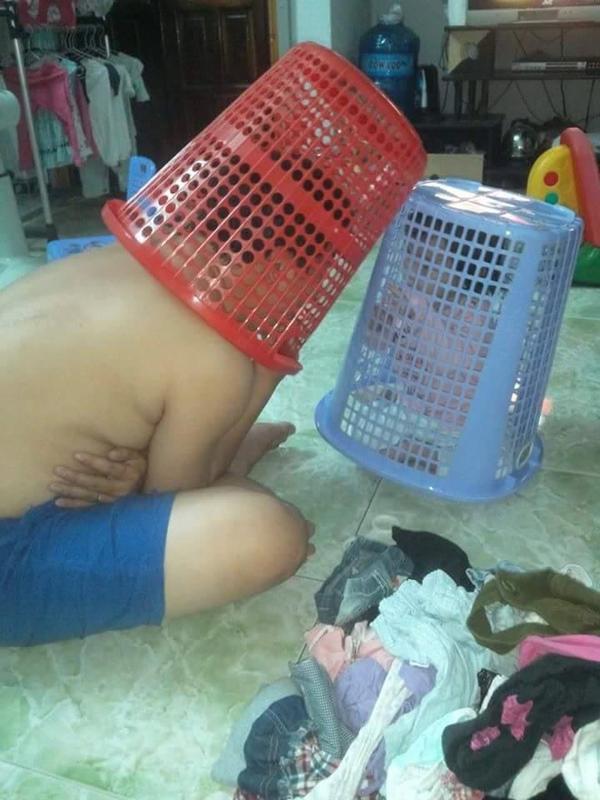 Nhờ bà trông con hộ một lúc, mẹ trẻ quay lại và ngỡ ngàng với món đồ chơi bà tạo ra để dỗ cháu - Ảnh 6.