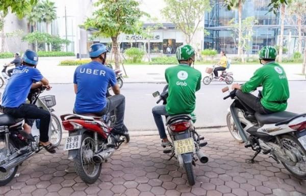 Trước ngày Uber sáp nhập vào Grab: Người tiêu dùng hoang mang, lái xe 2 hãng lo lắng chuyện độc quyền - Ảnh 4.