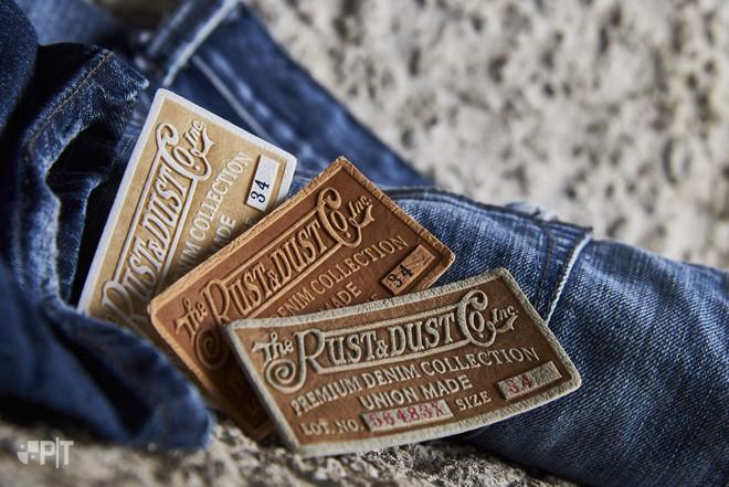 90% người mặc quần jeans đều không biết miếng da đằng sau cạp quần có công dụng gì - Ảnh 1.