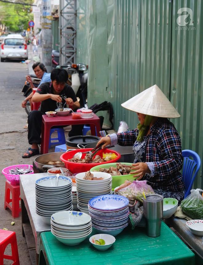 Đi một vòng Sài Gòn ghé 6 quán bánh canh siêu ngon mà giá bình dân, ăn một lần là thương nhớ - Ảnh 30.