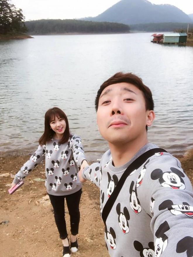 Thản nhiên nhè bã kẹo vào tay vợ, Trấn Thành phải nhận kết đắng từ Hari Won - Ảnh 4.