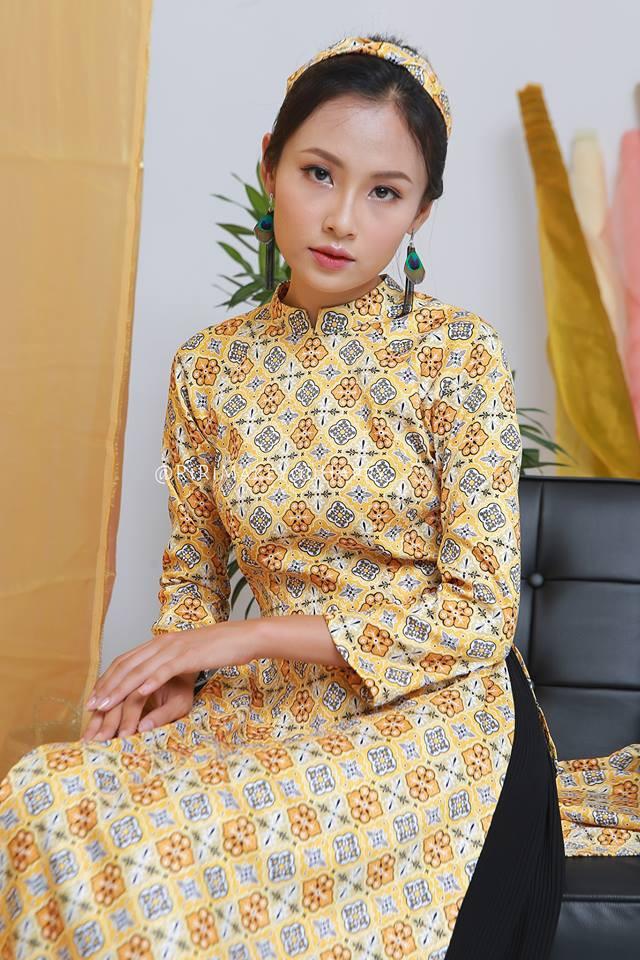 Còn đúng 1 tháng nữa là Tết, và đây là 7 mẫu áo dài cách tân đẹp duyên nhất cho nàng diện trong Tết này - Ảnh 13.