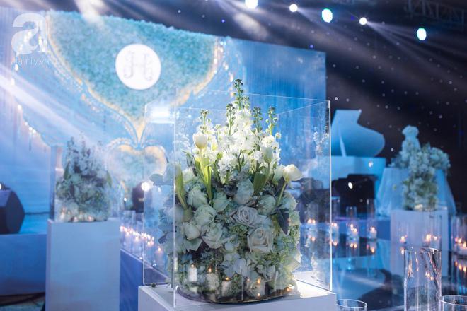 Đám cưới có 1-0-2 sang chảnh hết nấc: Sân khấu lộng lẫy, khách mời đa quốc gia, hoa tươi nhập khẩu tinh tế - Ảnh 11.