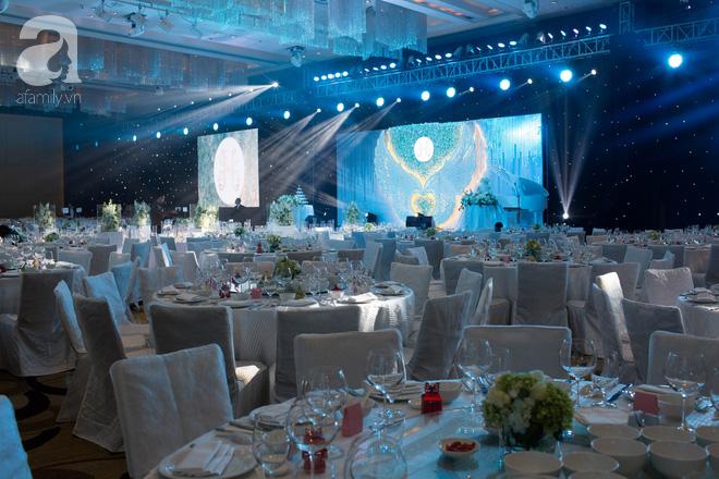 Đám cưới có 1-0-2 sang chảnh hết nấc: Sân khấu lộng lẫy, khách mời đa quốc gia, hoa tươi nhập khẩu tinh tế - Ảnh 13.
