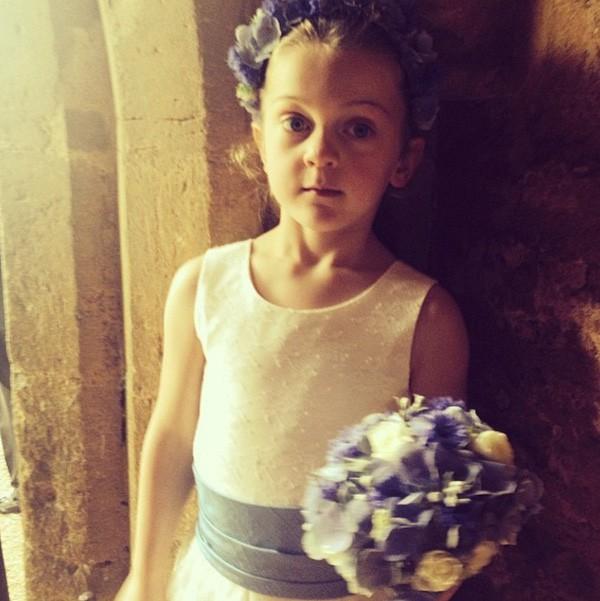 Cô bé cáu kỉnh trong đám cưới của công nương Kate và hoàng tử William cách đây 7 năm giờ ra sao? - Ảnh 4.