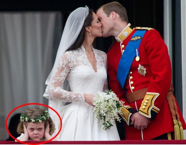 Cô bé cáu kỉnh trong đám cưới của công nương Kate và hoàng tử William cách đây 7 năm giờ ra sao? - Ảnh 1.