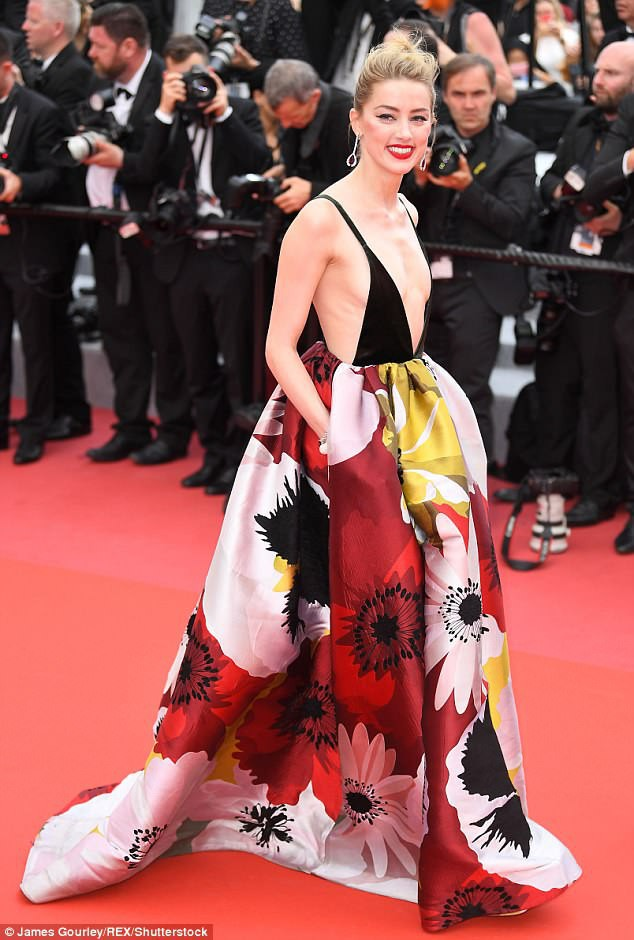 Thảm đỏ LHP Cannes ngày 3: Không có Phạm Băng Băng, mỹ nhân Thái Lan trở thành ngôi sao Châu Á thống trị thảm đỏ Cannes - Ảnh 7.