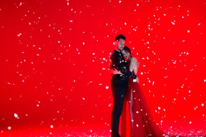 Không chỉ huyền ảo, ma mị trong từng cảnh quay, trang phục trong MV mới của Bích Phương cũng khiến người xem nổi da gà vì quá đẹp - Ảnh 10.