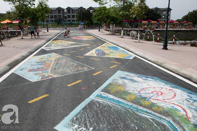 Phố đi bộ Trịnh Công Sơn vắng vẻ trong sáng đầu tiên khai trương - Ảnh 12.
