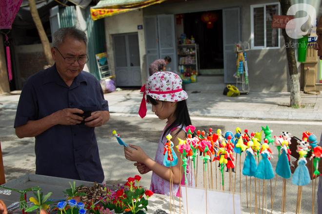 Phố đi bộ Trịnh Công Sơn vắng vẻ trong sáng đầu tiên khai trương - Ảnh 13.
