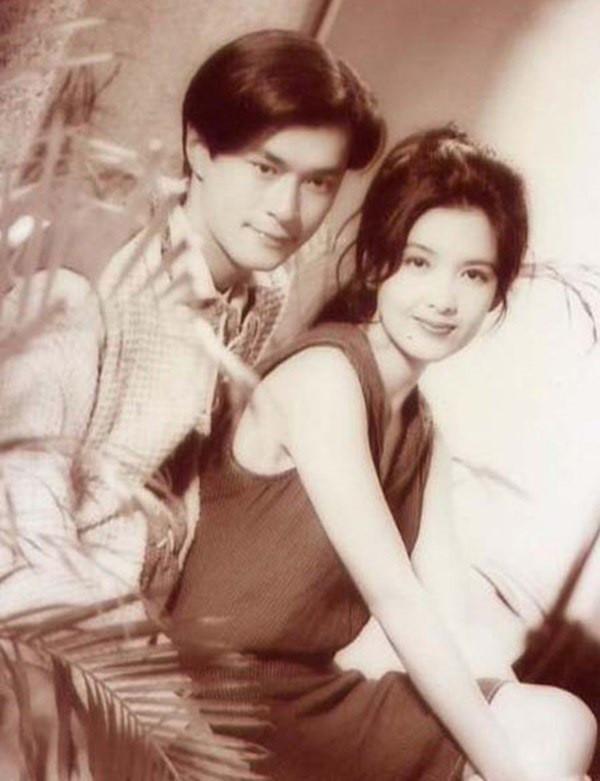 Chùm ảnh quý hiếm của dàn sao TVB: Thanh xuân rực rỡ của thế hệ 7X, 8X bỗng chốc thu nhỏ lại chỉ bằng những bức ảnh cũ, đã sờn màu - ảnh 11