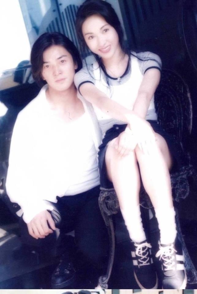 Chùm ảnh quý hiếm của dàn sao TVB: Thanh xuân rực rỡ của thế hệ 7X, 8X bỗng chốc thu nhỏ lại chỉ bằng những bức ảnh cũ, đã sờn màu - ảnh 13