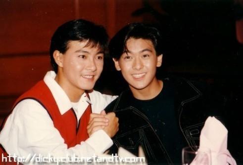 Chùm ảnh quý hiếm của dàn sao TVB: Thanh xuân rực rỡ của thế hệ 7X, 8X bỗng chốc thu nhỏ lại chỉ bằng những bức ảnh cũ, đã sờn màu - ảnh 17
