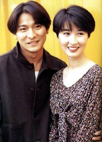 Chùm ảnh quý hiếm của dàn sao TVB: Thanh xuân rực rỡ của thế hệ 7X, 8X bỗng chốc thu nhỏ lại chỉ bằng những bức ảnh cũ, đã sờn màu - ảnh 18