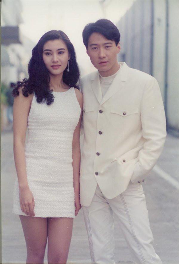 Chùm ảnh quý hiếm của dàn sao TVB: Thanh xuân rực rỡ của thế hệ 7X, 8X bỗng chốc thu nhỏ lại chỉ bằng những bức ảnh cũ, đã sờn màu - ảnh 7
