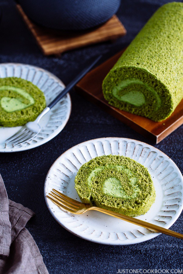 Công thức làm bánh cuộn trà xanh chuẩn Nhật ngon hơn ở tiệm - Ảnh 10.