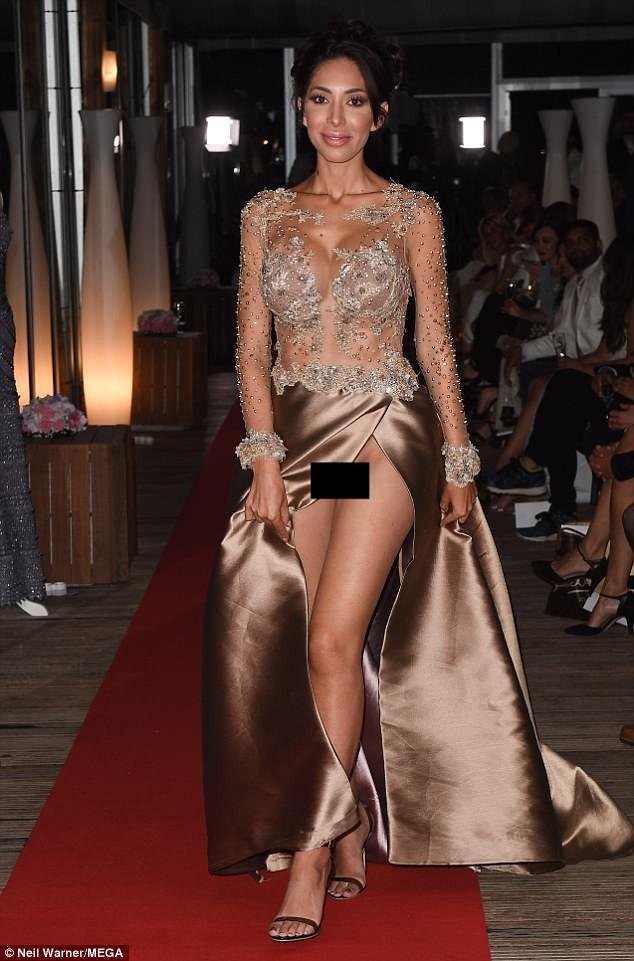 Không mặc nội y, sao nữ lộ cả vùng kín phản cảm tại LHP Cannes 2018 - Ảnh 1.