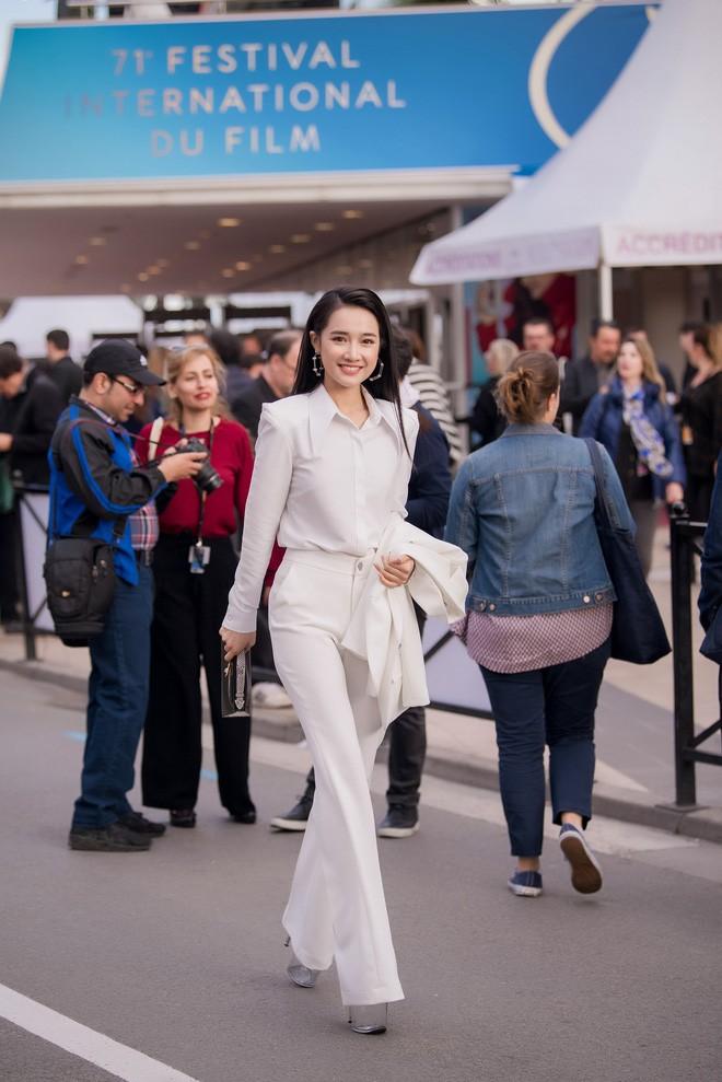 Nhã Phương đọ sắc cùng HH Đỗ Mỹ Linh và Lý Nhã Kỳ trong sự kiện thời trang tại Cannes - Ảnh 9.