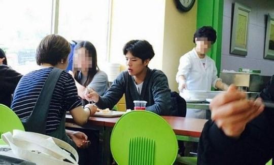 Park Bo Gum bỏ bê sự nghiệp suốt 2 năm, nhưng khi biết lí do thực sự thì ai cũng nể anh - Ảnh 4.