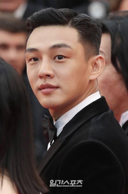 Dàn soái ca Châu Á Huỳnh Hiểu Minh, Yoo Ah In khiến loạt mỹ nhân phải lép vế khi xuất hiện trên thảm đỏ Cannes - Ảnh 4.
