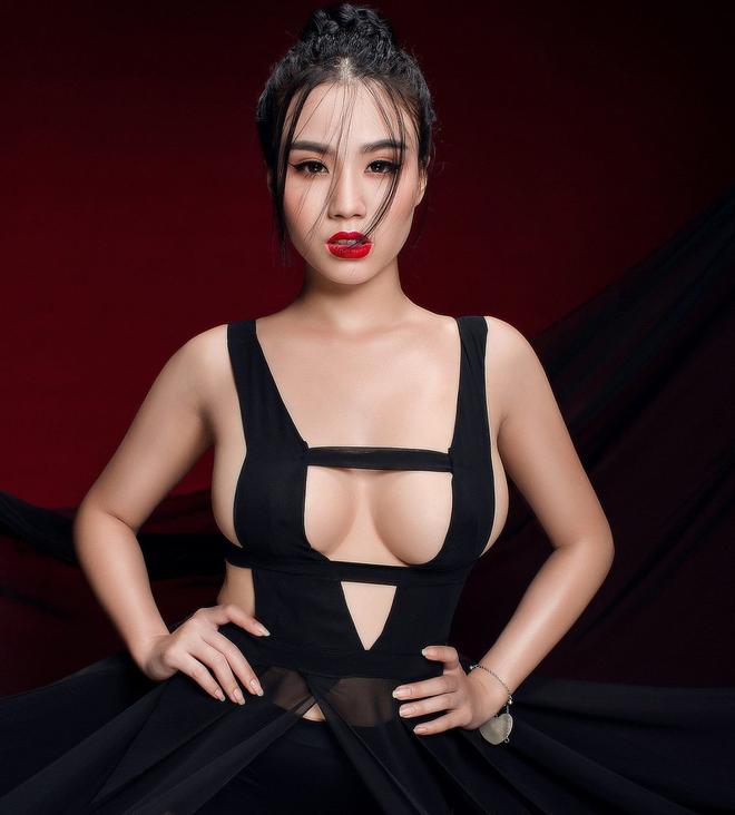 Thấy chồng và Linh Miu khẩu chiến trên mạng xã hội, vợ Hữu Công lên tiếng khẳng định chồng mình hoàn hảo nhất! - Ảnh 1.