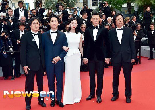 Phim của Yoo Ah In được khen ngợi hết lời ở Cannes nhưng các diễn viên lại bị chỉ trích thậm tệ tại quê nhà - Ảnh 1.