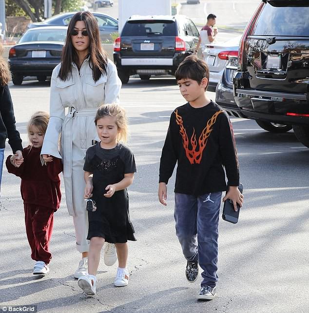 Sinh ra trong Hoàng gia nước Mỹ, các bé nhà Kardashian từ nhỏ phải tuân theo loạt quy định nghiêm ngặt - Ảnh 12.