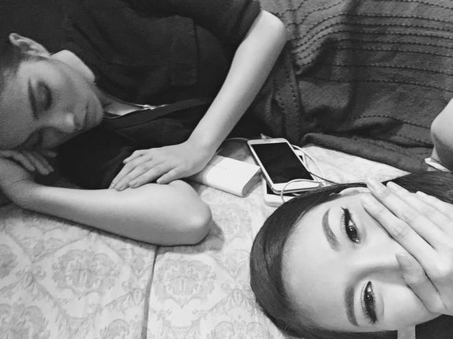 1001 dáng ngủ siêu khó đỡ của sao Việt: Cứ đặt lưng xuống là ngủ bất kể địa hình! - Ảnh 15.