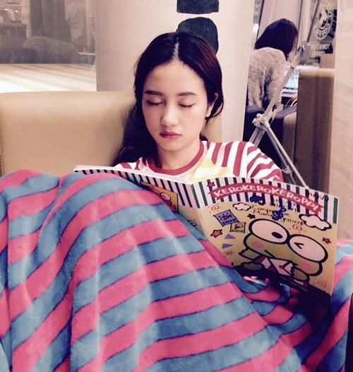 1001 dáng ngủ siêu khó đỡ của sao Việt: Cứ đặt lưng xuống là ngủ bất kể địa hình! - Ảnh 16.