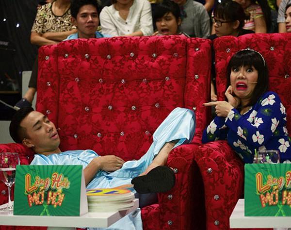 1001 dáng ngủ siêu khó đỡ của sao Việt: Cứ đặt lưng xuống là ngủ bất kể địa hình! - Ảnh 6.