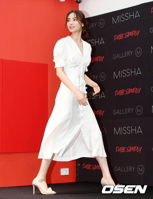 Son Ye Jin chiếm hết spotlight, nhưng mỹ nhân 2 lần đứng đầu top 100 gương mặt đẹp nhất thế giới còn xuất sắc hơn - Ảnh 10.