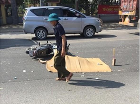 Hà Nội: Nữ sinh cấp 3 ngã xuống đường bị xe container cán chết thảm - ảnh 1