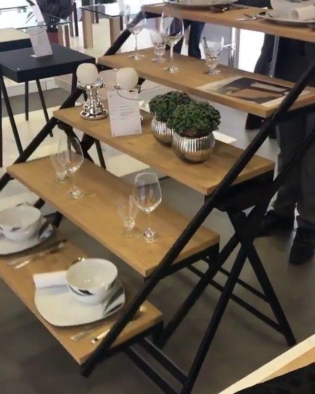 Mê hoặc với chiếc bàn ăn bình thường bỗng biến thành kệ đựng đồ trong vài giây - Ảnh 3.