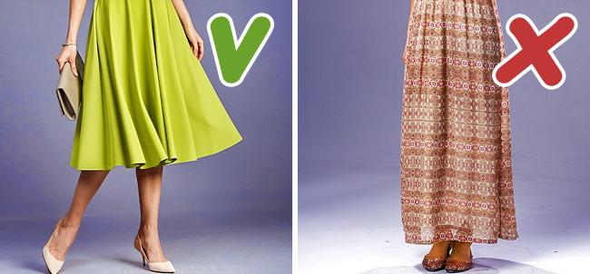 10 kiểu ăn mặc được nhiều chị em ưa chuộng nhưng lại khiến người ta già đi cả chục tuổi - Ảnh 2.