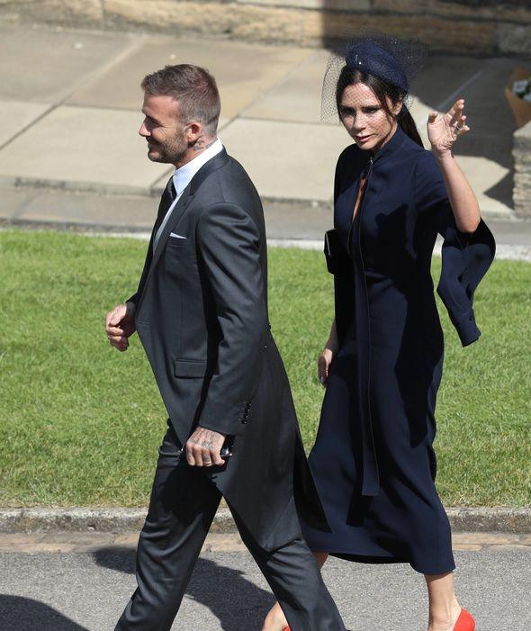 Victoria Beckham kín đáo sang trọng với mạng che mặt, nổi bật nhất dàn khách mời tại đám cưới Hoàng gia - Ảnh 7.