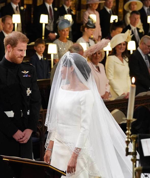 Cận cảnh vương miện của Tân công nương Meghan Markle: đầy tinh tế và kết hợp hoàn hảo với bộ váy cưới đến từ Givenchy - Ảnh 4.