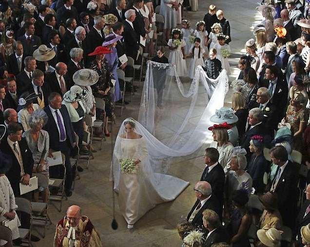 Sau cô bé cáu kỉnh, lại xuất hiện thêm một nhân vật nhí siêu dễ thương gây chú ý trong đám cưới của Hoàng tử Harry và Meghan Markle - Ảnh 3.