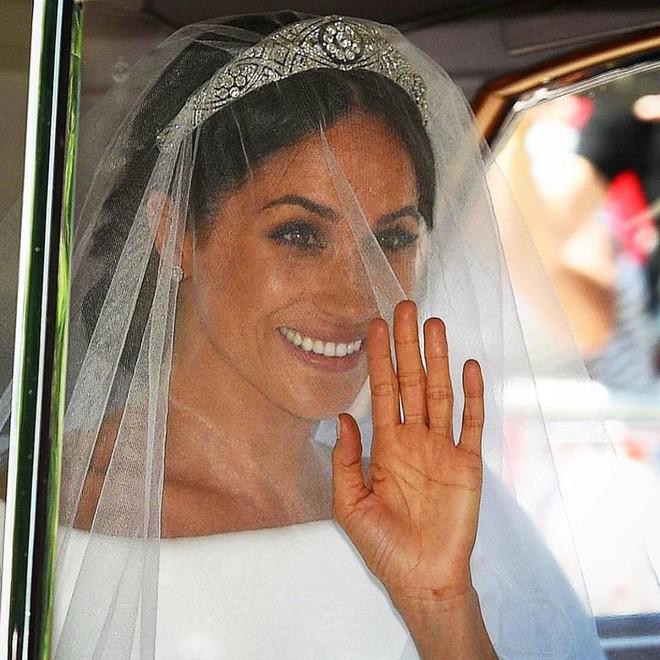 Đám cưới hoàng gia Anh: Hôn lễ kết thúc, cô dâu chú rể trao nhau nụ hôn ngọt ngào trước toàn thể mọi người - Ảnh 30.