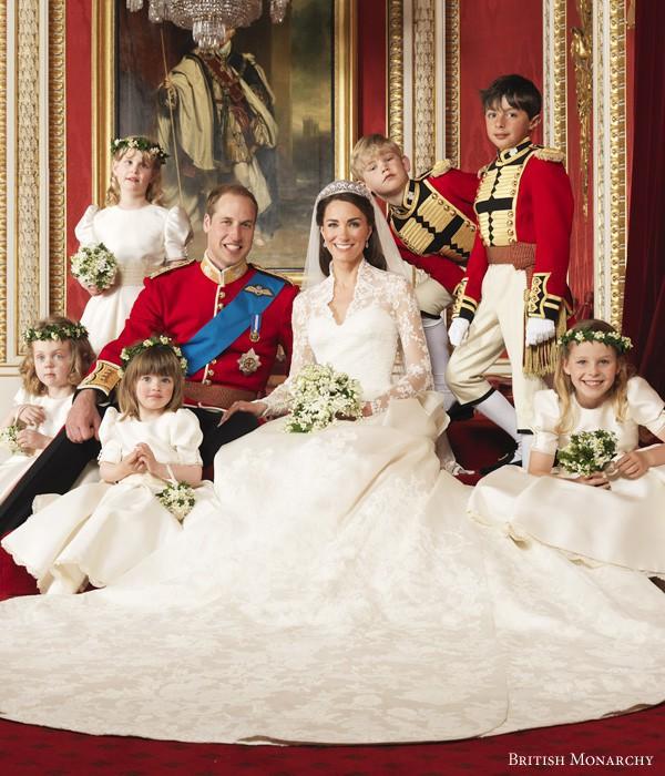 Giới chuyên gia chắc mẩm rằng váy cưới của Meghan Markle rẻ hơn Công nương Kate, và lý do là... - Ảnh 3.